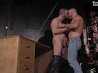 Dirk Caber and Felix Barca (HL P1) muscle